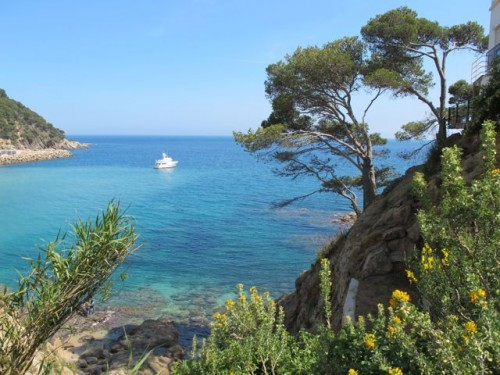 Coastal path from Llafranc to Calella de Parafrugell Photo: Velvetescape.com